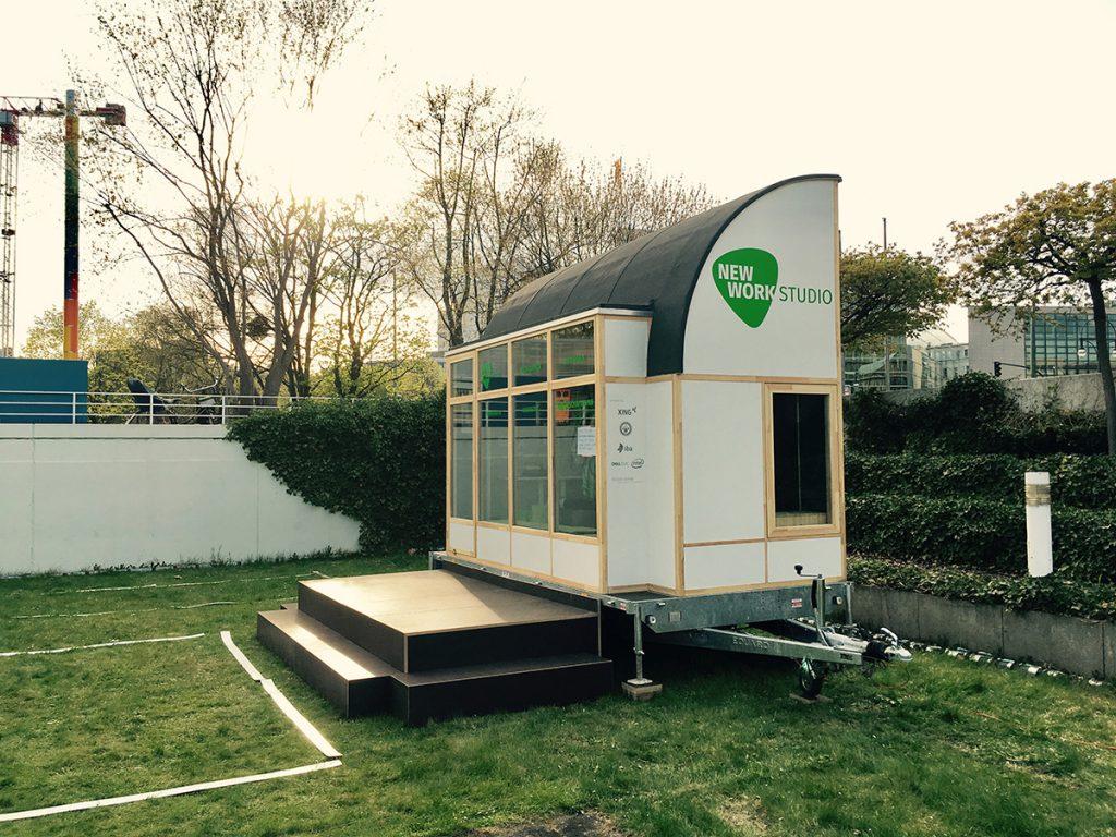 new work studio bauhaus campus berlin. Black Bedroom Furniture Sets. Home Design Ideas