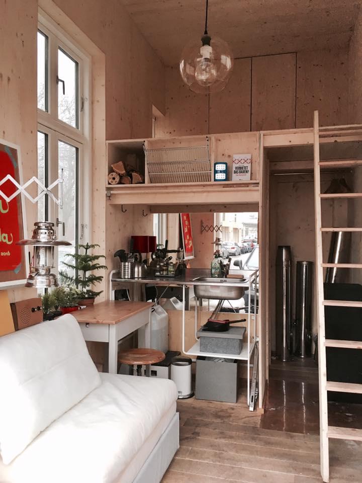 100 Euro Wohnung Co Being House Bauhaus Campus Berlin