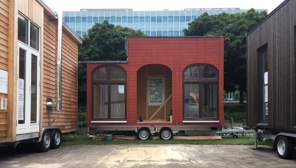 tiny house summer school bauhaus campus berlin. Black Bedroom Furniture Sets. Home Design Ideas